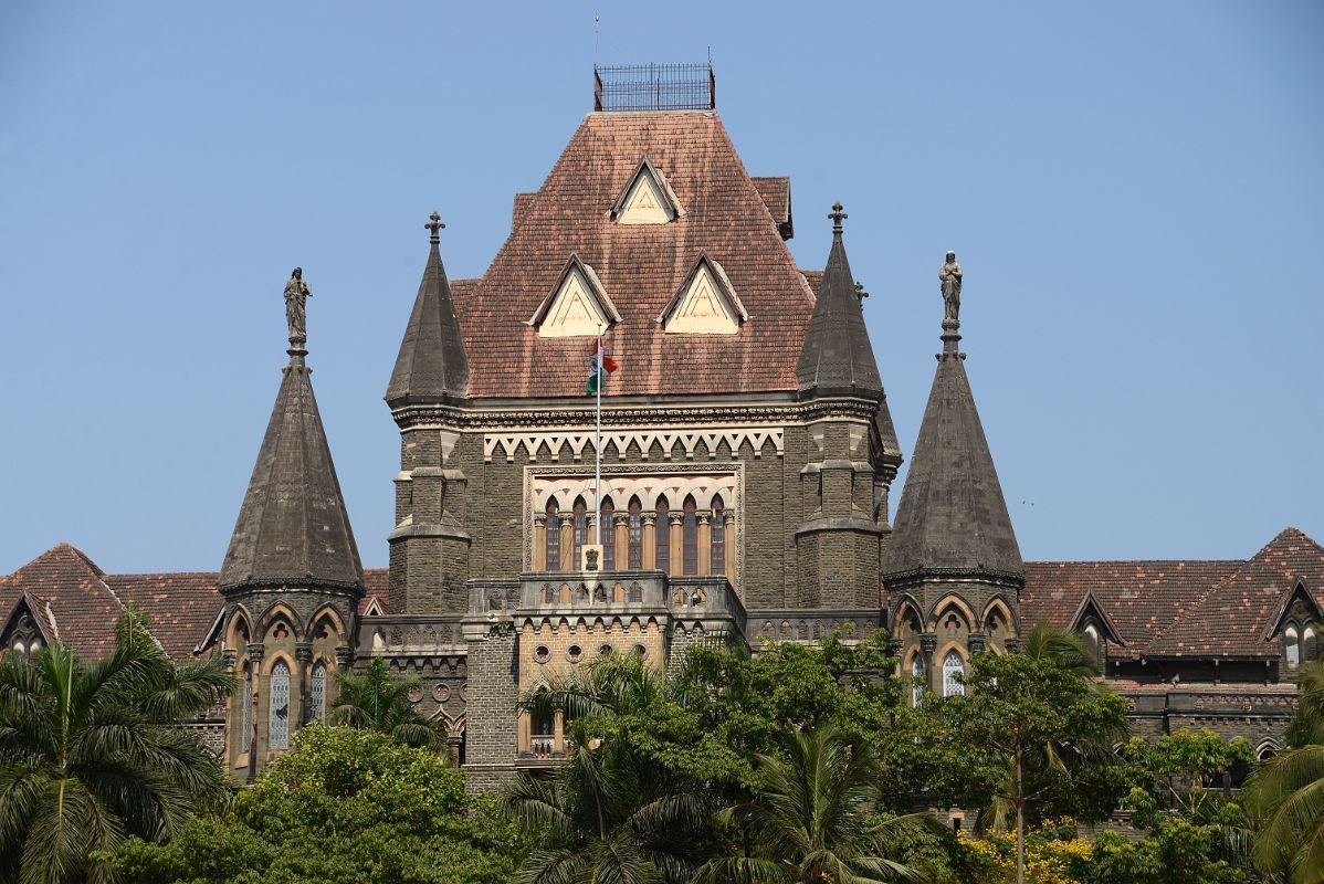 कर्मचारियों को कोरोना से बचने के लिए जरुरी वस्तुऐँ न देने पर  मुंबई हाईकोर्ट ने नवी मुंबई मुनिस्पल कार्पोरेशन से जवाब तलब किया