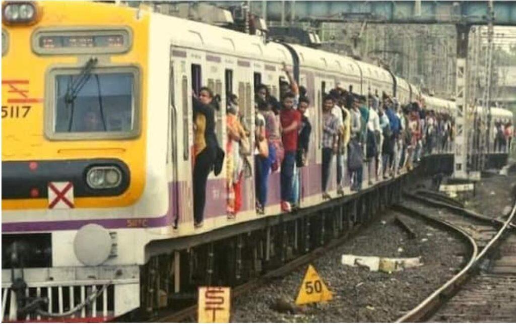 मुंबई समेत महाराष्ट्र में जारी पाबंदियों में छूट के साथ साथ वीकेंड लॉकडाउन में भी राहत को हरी झंडी