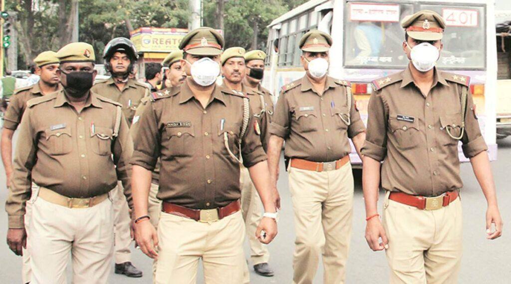पूर्व मुंबई पुलिस कमिश्नर परमबीर सिंह के खिलाफ जारी हुआ लुकआउट नोटिस